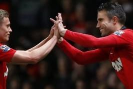 james wilson robin van persie 266x179 Home, Manchester United News