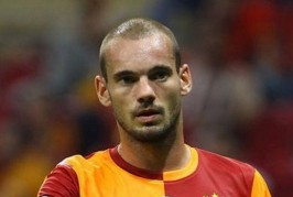 wesley sneijder gala 266x179 Home, Manchester United News