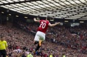 Van Persie: I'll never switch from No.20 because of league title